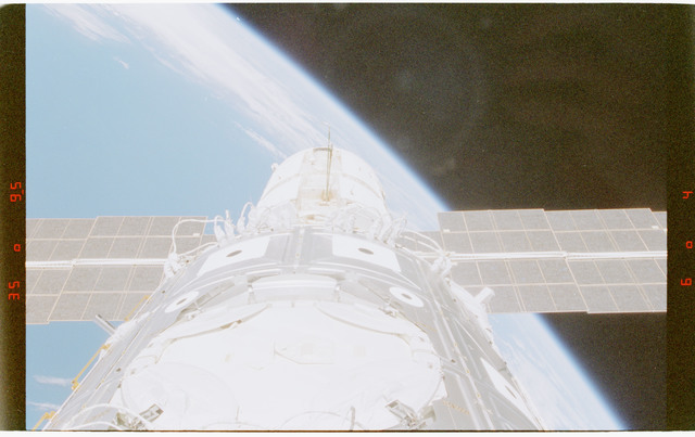STS088-372-011 - STS-088 - View of the ISS stack in the Endeavour's payload bay