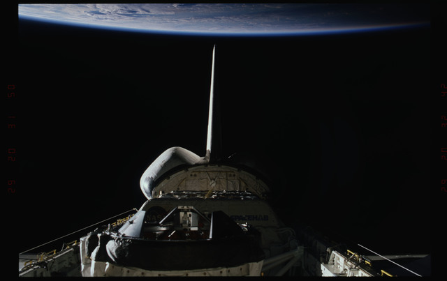 STS089-347-019 - STS-089 - Wide views of Endeavour's payload bay with ODS and Spacehab visible
