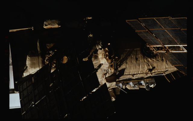 STS089-354-026 - STS-089 - DTO 1118 - Survey of the Mir Space Station