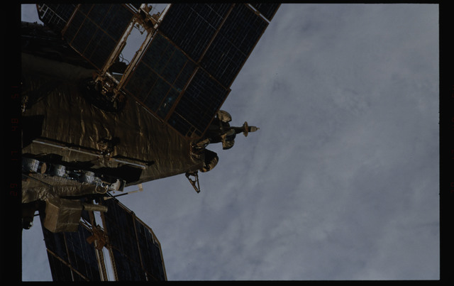 STS089-355-027 - STS-089 - DTO 1118 - Survey of the Mir Space Station