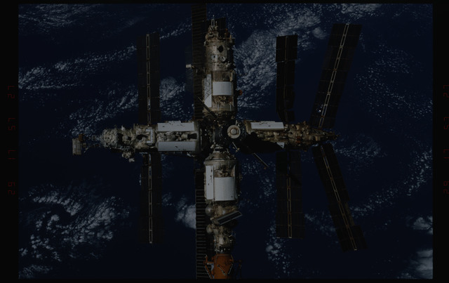 STS089-356-017 - STS-089 - DTO 1118 - Survey of the Mir Space Station