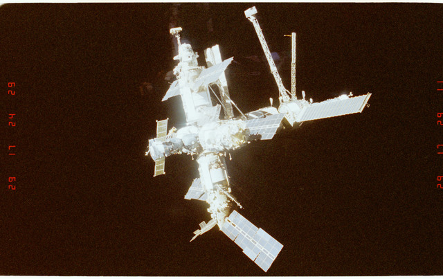 STS089-369-014 - STS-089 - DTO 1118 - Survey of the Mir Space Station