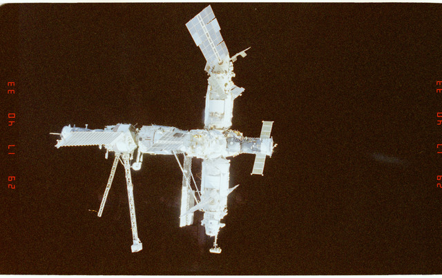 STS089-369-034 - STS-089 - DTO 1118 - Survey of the Mir Space Station