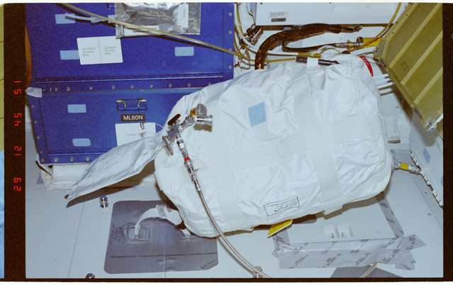 STS089-375-005 - STS-089 - RME 1331 - Shuttle Condensate Collection for ISS (SCCI)