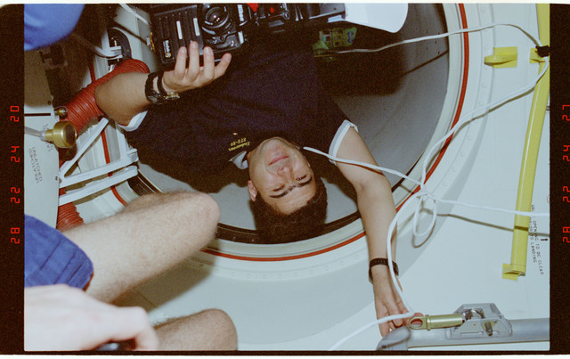 STS089-376-024 - STS-089 - STS-89 crewmembers work in the ODS before undocking from Mir