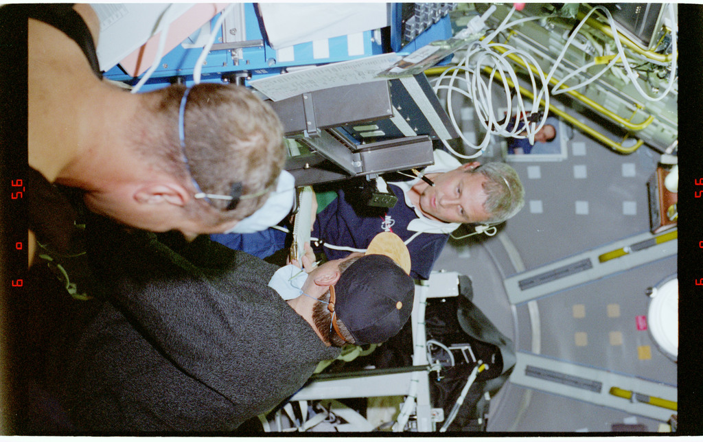 STS090-379-019 - STS-090 - Overall view of STS-90 crew in the Spacelab module