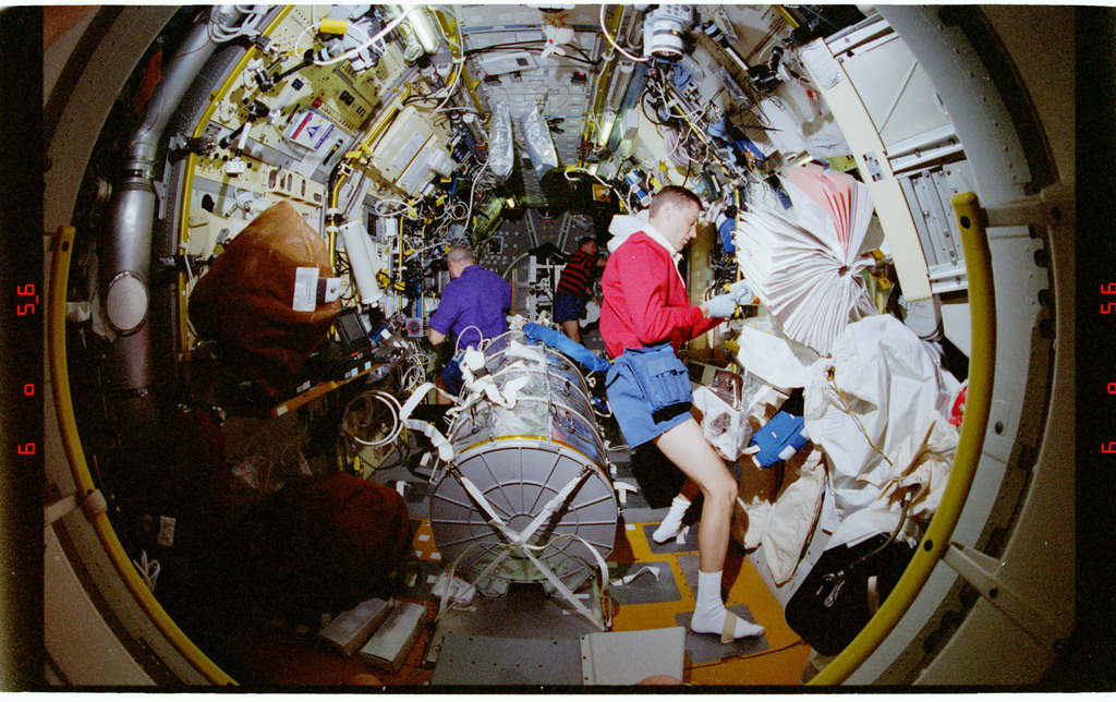 STS090-379-027 - STS-090 - Overall view of STS-90 crew in the Spacelab module
