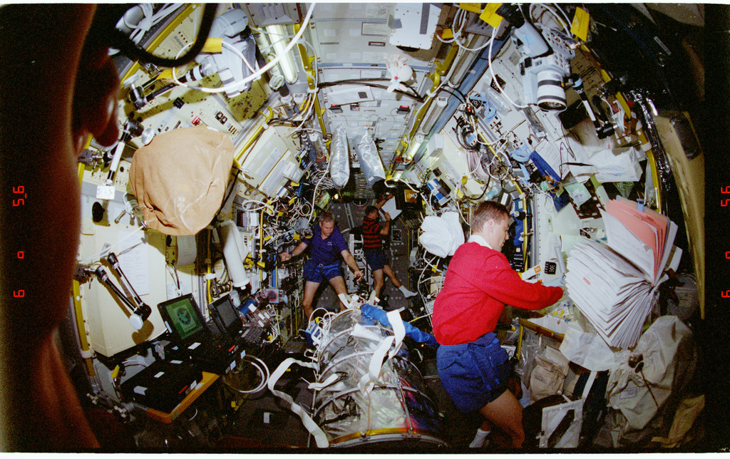 STS090-379-029 - STS-090 - Overall view of STS-90 crew in the Spacelab module