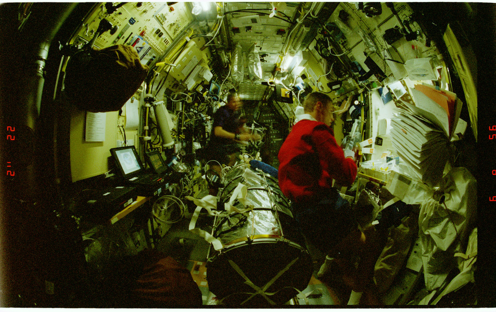 STS090-379-033 - STS-090 - Overall view of STS-90 crew in the Spacelab module