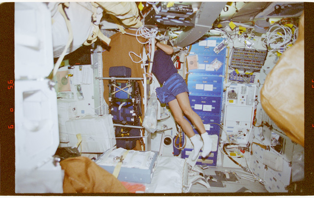 STS091-357-005 - STS-091 - Crewmember activity in the orbiter middeck