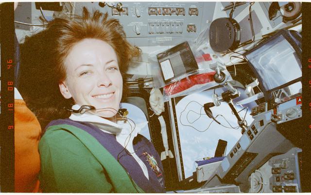STS091-401-005 - STS-091 - Kavandi on the flight deck