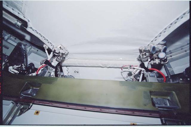 STS092-364-003 - STS-092 - Node 1/Unity zenith CBM