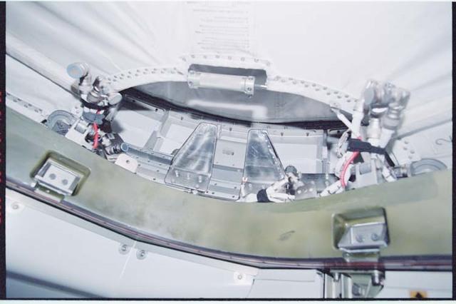 STS092-364-004 - STS-092 - Node 1/Unity zenith CBM