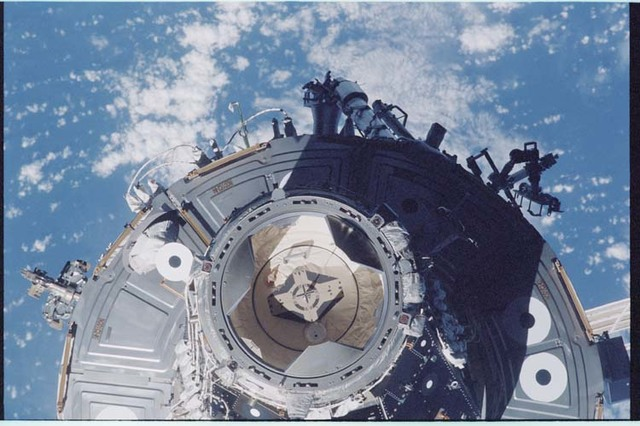 STS092-403-018 - STS-092 - View of the ISS during rendezvous and docking