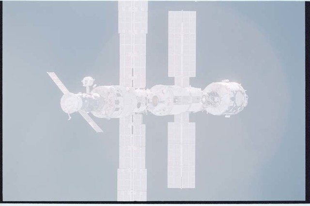 STS092-405-023 - STS-092 - View of ISS during rendezvous and docking maneuvers