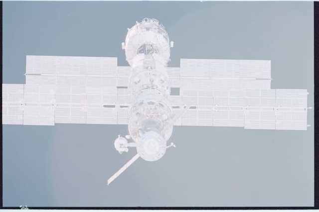 STS092-405-026 - STS-092 - View of ISS during rendezvous and docking maneuvers