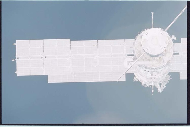 STS092-405-029 - STS-092 - View of ISS during rendezvous and docking maneuvers