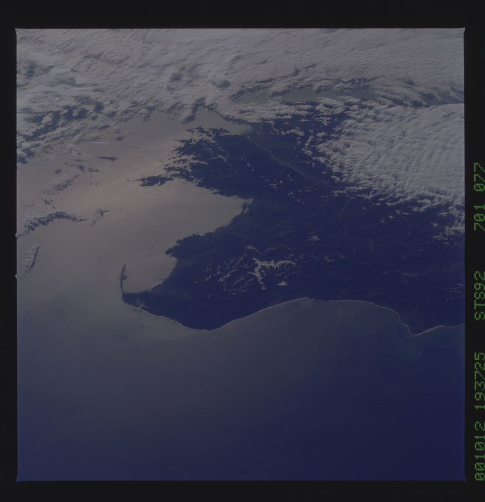 STS092-701-077 - STS-092 - STS-92 Earth observation views