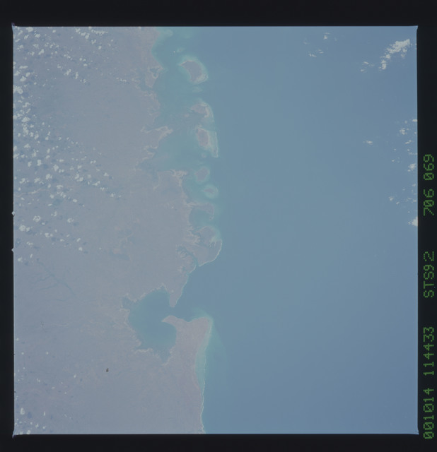 STS092-706-069 - STS-092 - STS-92 Earth observations