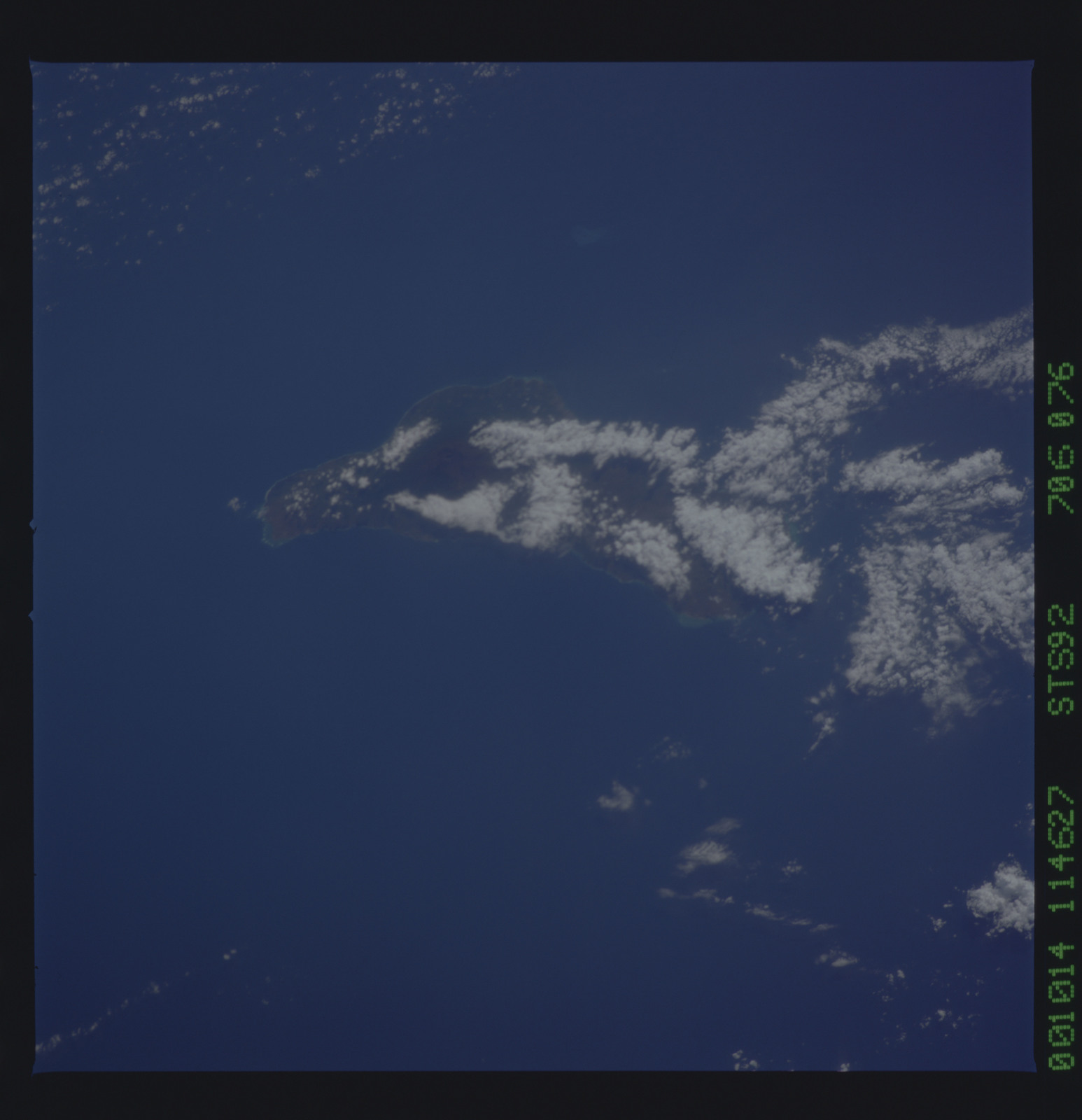 STS092-706-076 - STS-092 - STS-92 Earth observations