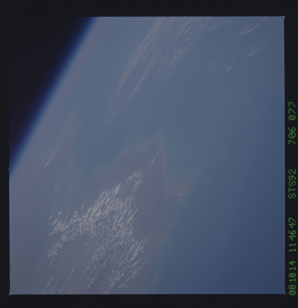 STS092-706-077 - STS-092 - STS-92 Earth observations