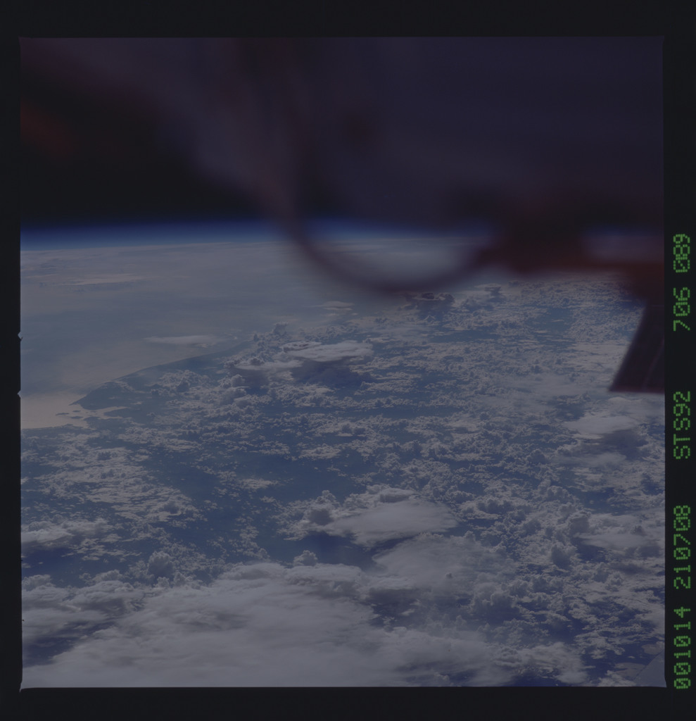 STS092-706-089 - STS-092 - STS-92 Earth observations