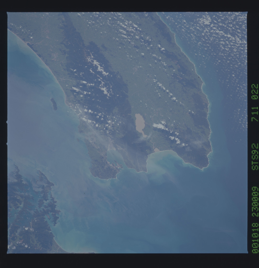 STS092-711-022 - STS-092 - STS-92 Earth observation views