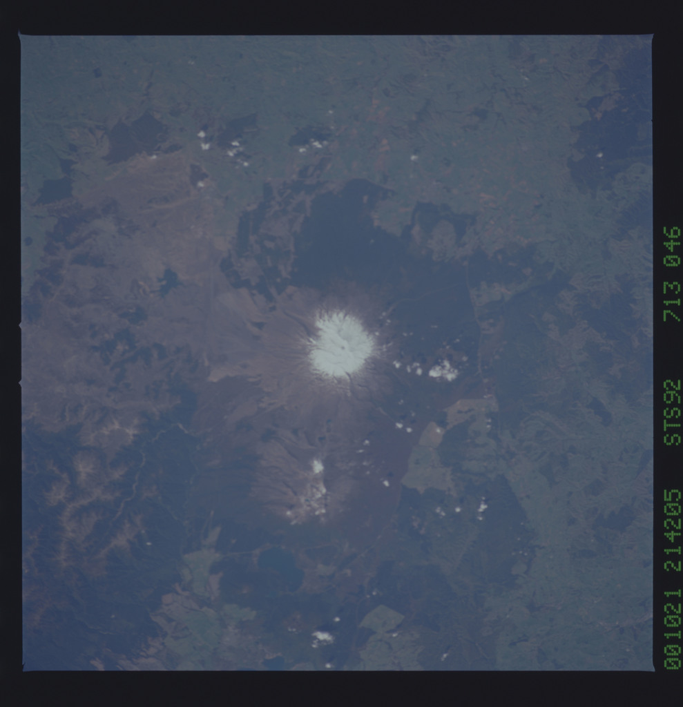 STS092-713-046 - STS-092 - STS-92 Earth observations