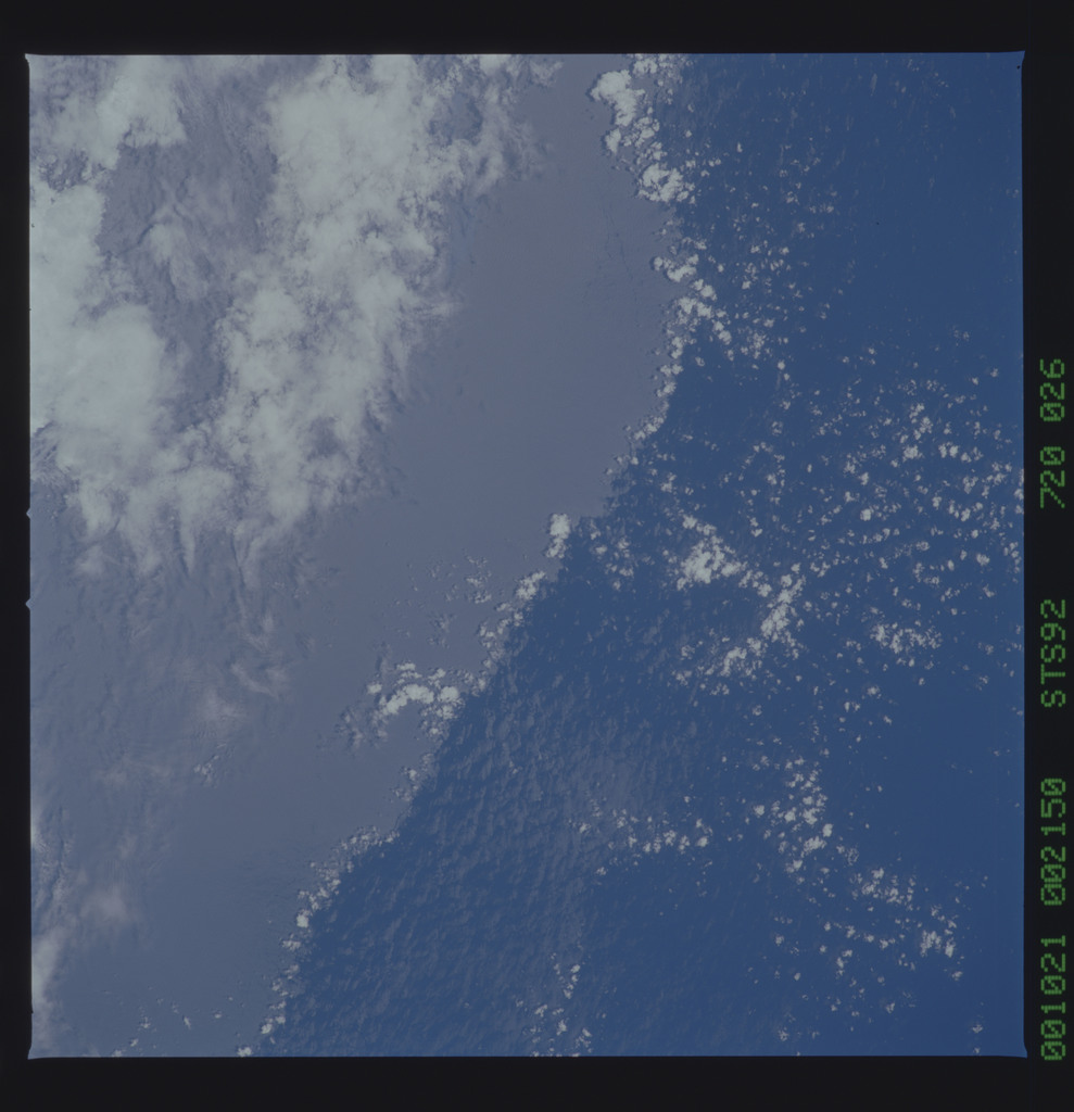STS092-720-026 - STS-092 - STS-92 Earth observations