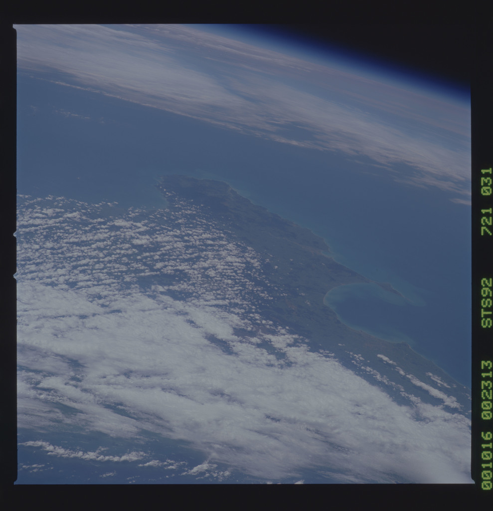 STS092-721-031 - STS-092 - STS-92 Earth observations