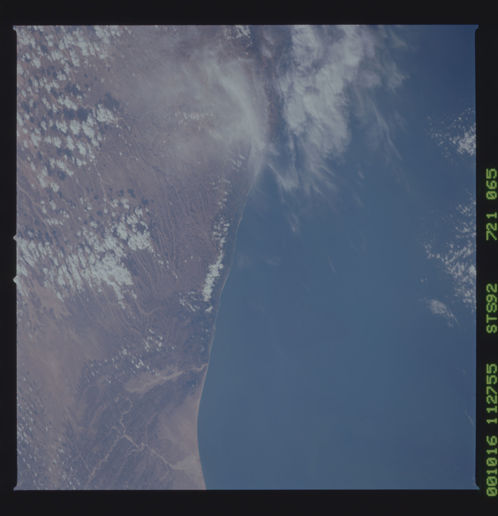 STS092-721-065 - STS-092 - STS-92 Earth observations