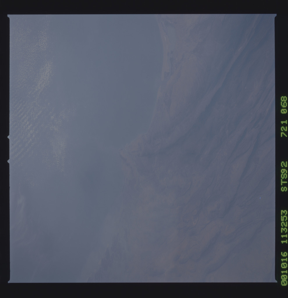 STS092-721-068 - STS-092 - STS-92 Earth observations