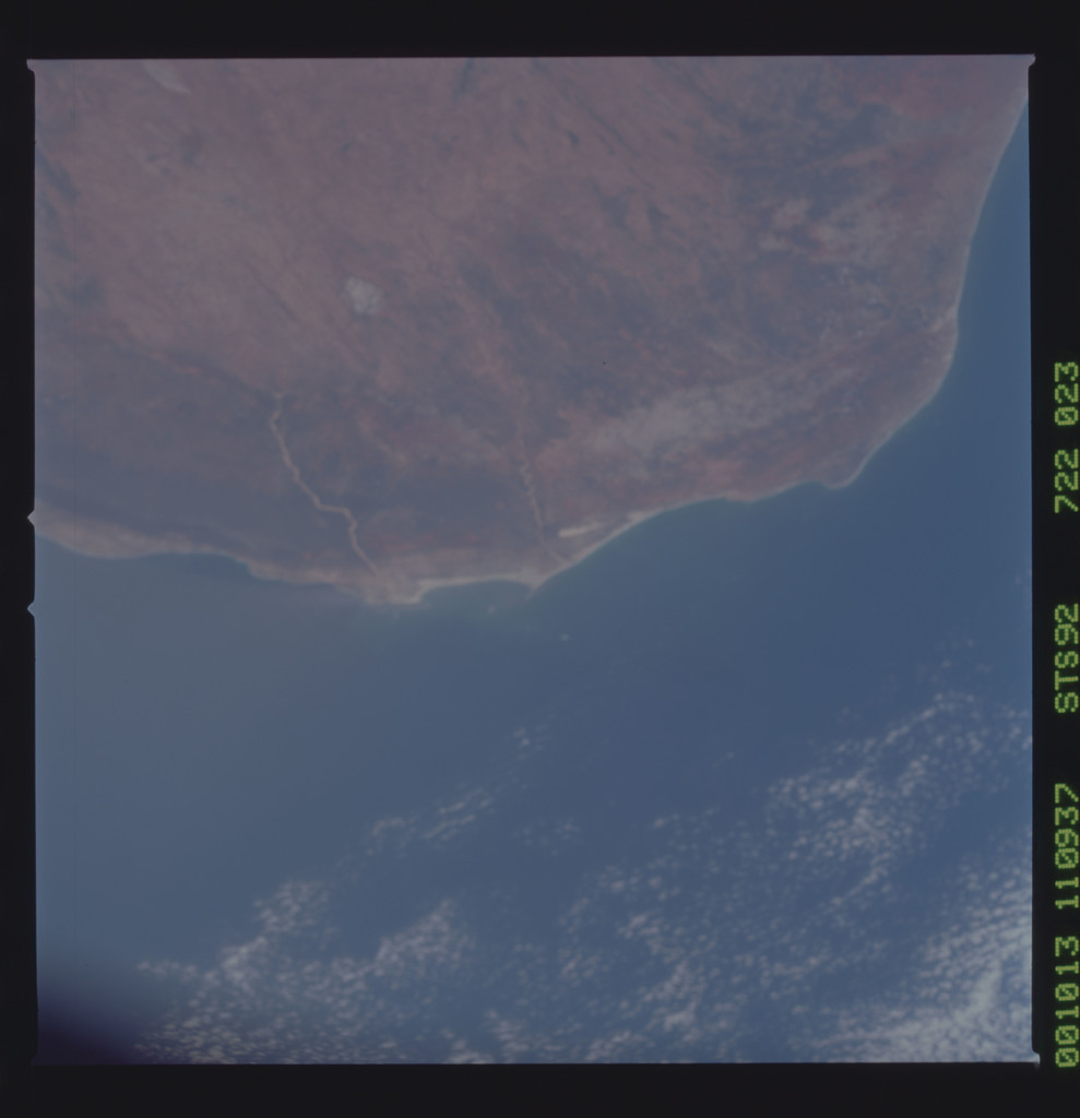 STS092-722-023 - STS-092 - STS-92 Earth observations