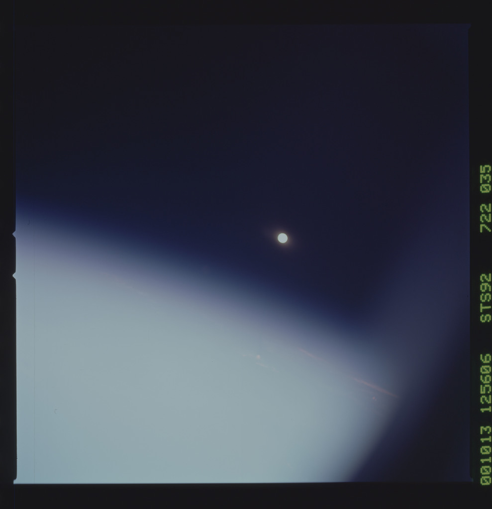 STS092-722-035 - STS-092 - STS-92 Earth observations