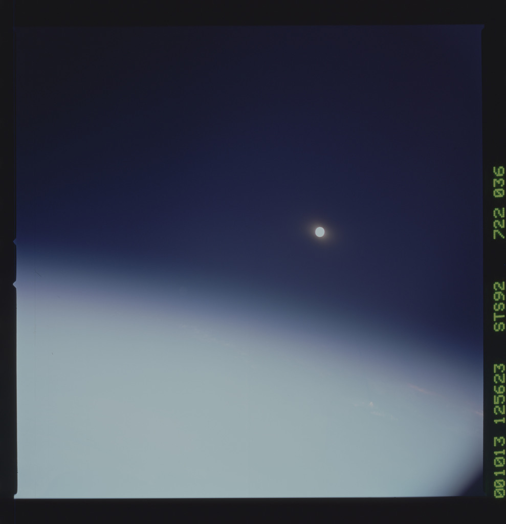 STS092-722-036 - STS-092 - STS-92 Earth observations