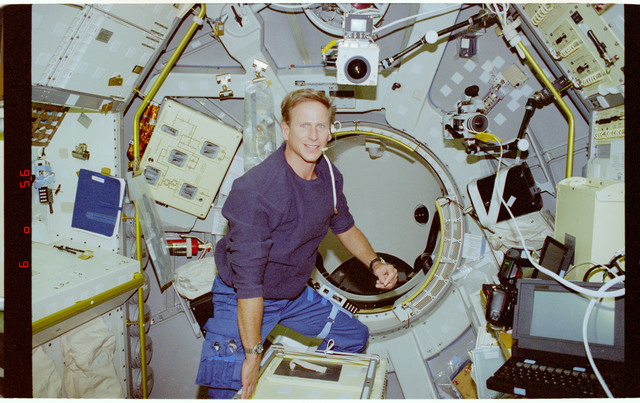 STS094-339-005 - STS-094 - Gernhardt in the Spacelab module