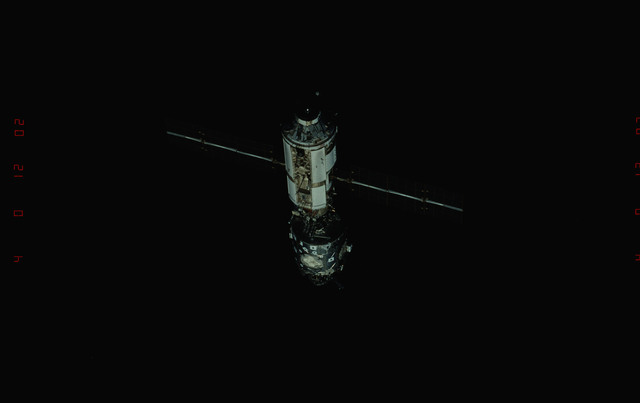 STS096-349-014 - STS-096 - Overall views of the ISS taken during fly-around