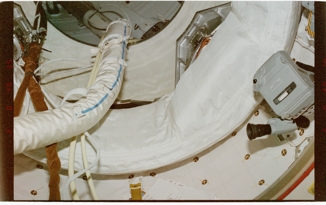 STS096-403-008 - STS-096 - Various views of ventilation hardware and hatches