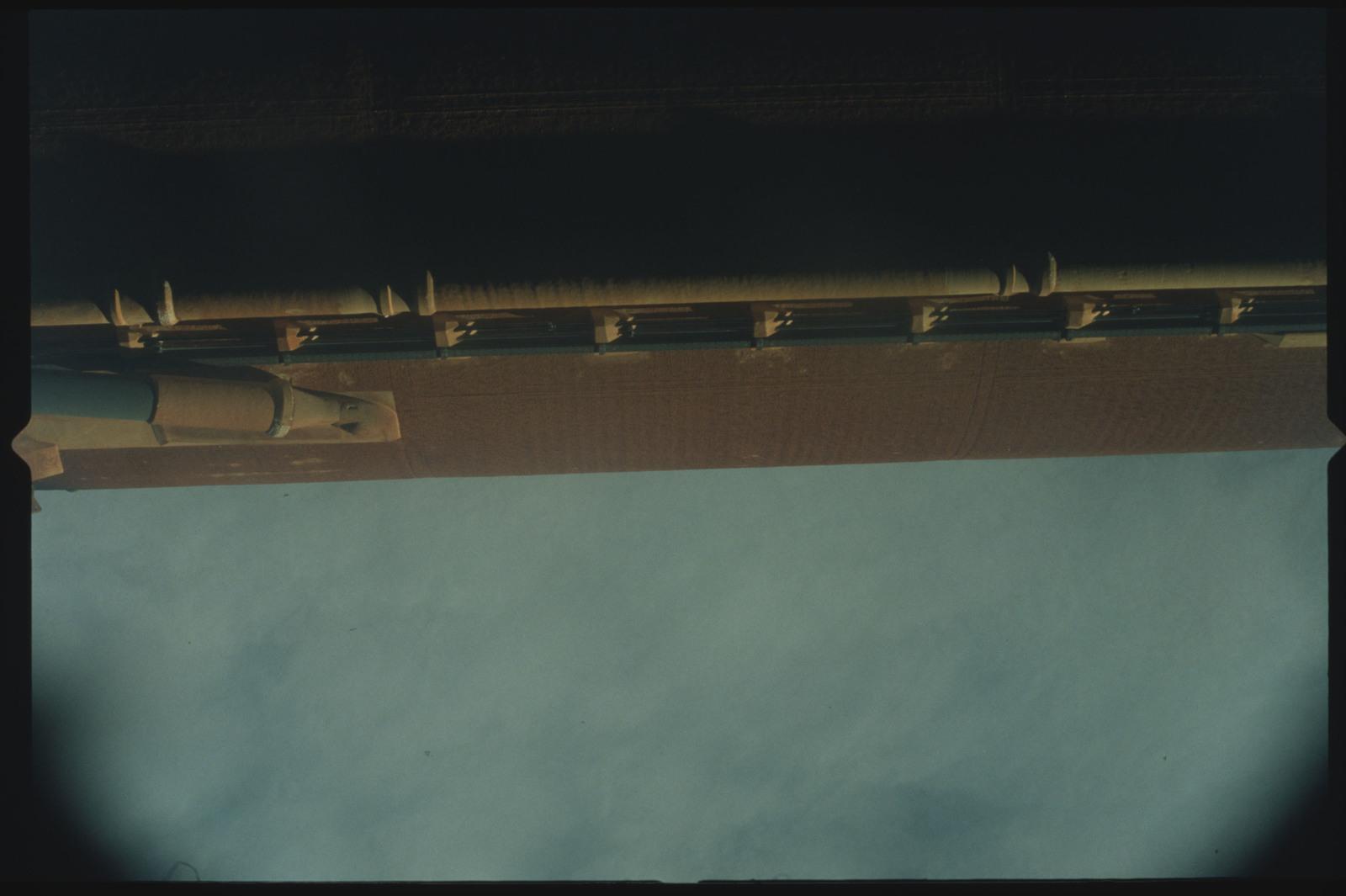 STS096-404-027 - STS-096 - External tanks (ETs) after separation