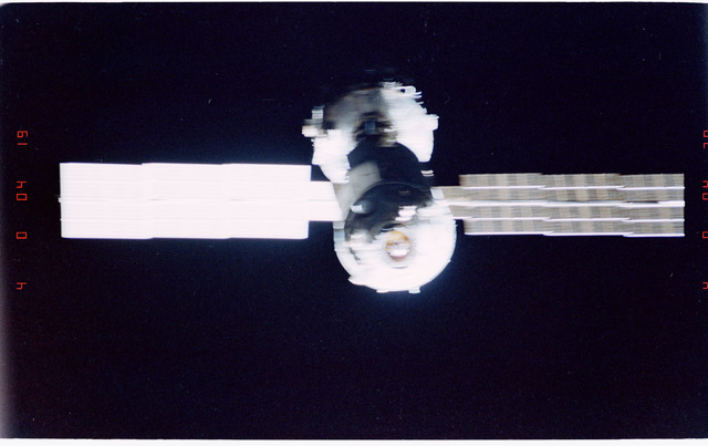 STS096-405-003 - STS-096 - End-on view of the ISS during fly-around