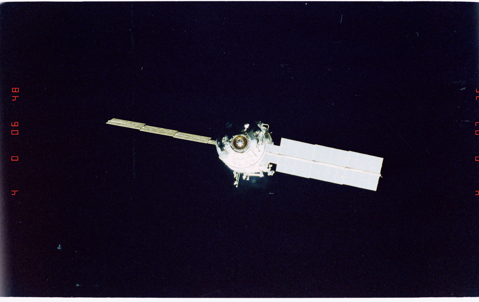 STS096-405-031 - STS-096 - End-on view of the ISS during fly-around