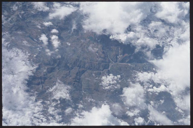 STS097-365-020 - STS-097 - Earth observations taken during the STS-97 mission