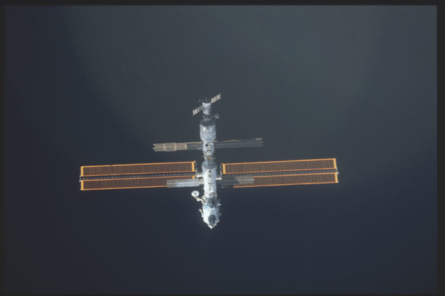 STS098-324-031 - STS-098 - View of ISS