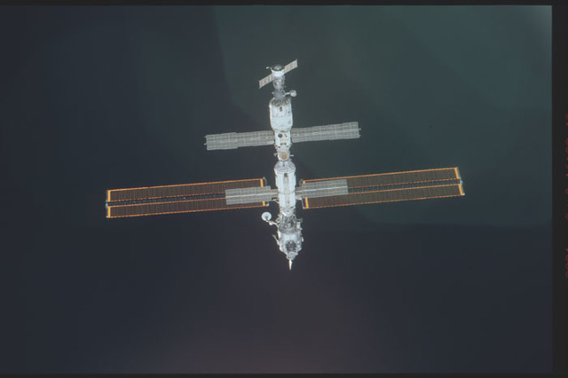 STS098-325-001 - STS-098 - View of ISS during approach