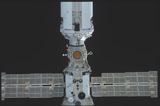STS098-325-018 - STS-098 - View of ISS during approach