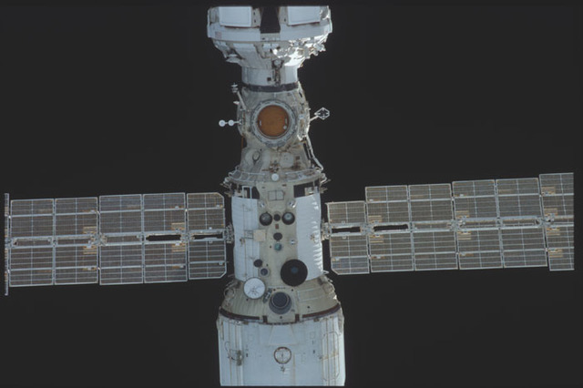 STS098-325-019 - STS-098 - View of ISS during approach