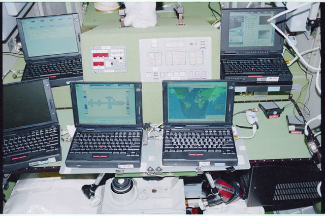 STS098-338-021 - STS-098 - Payload General Support Computers (PGSCs) in the Zvezda SM