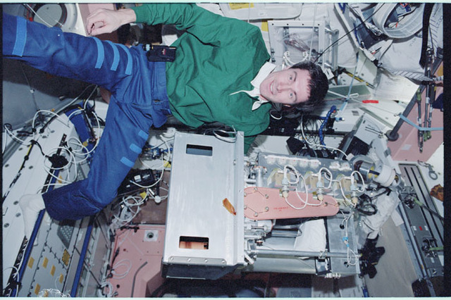 STS098-346-032 - STS-098 - Krikalev at work in Node 1