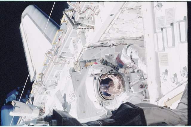 STS098-351-007 - STS-098 - MS Jones at work during EVA  of STS-98