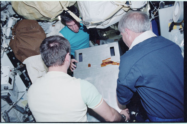 STS098-361-009 - STS-098 - Moving  Vozdukh in to ISS